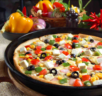 Buy 1 get 1 offer on medium pizza @ US Pizza